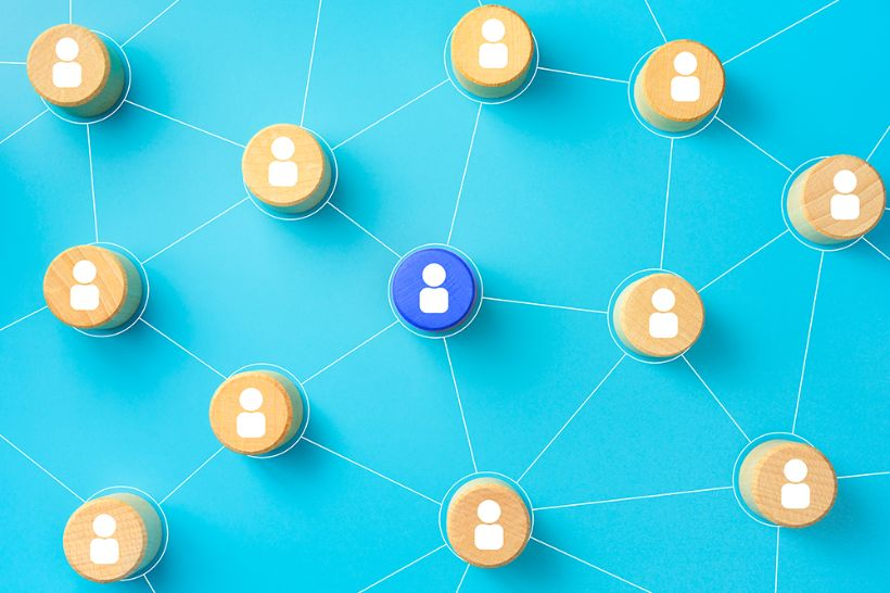 4 tips for leveraging alumni networks for recruitment