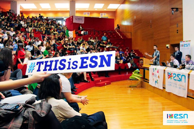 SocialErasmus: a new dimension to international study